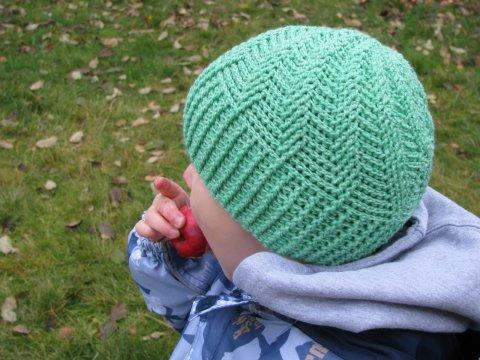 Теплая осенняя шапочка вязание для начинающих