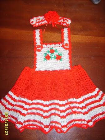 T��i�i k�rm�z�/beyaz bebek elbisesi