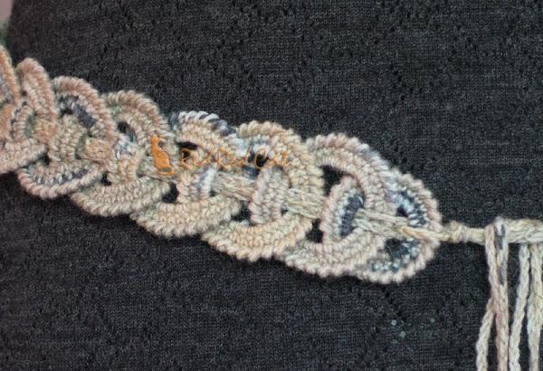 Это простая идея вязания пояса