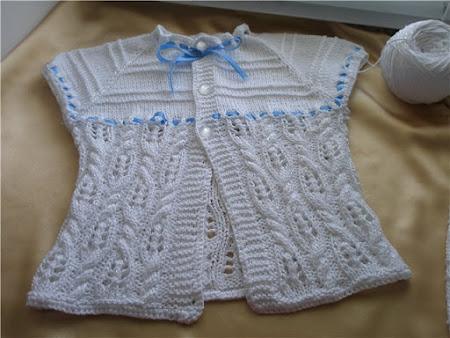 Bebek yeleği beyaz