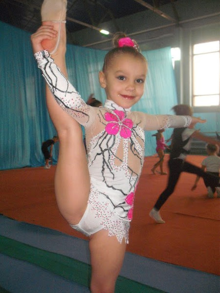 фото гимнастка влагалища
