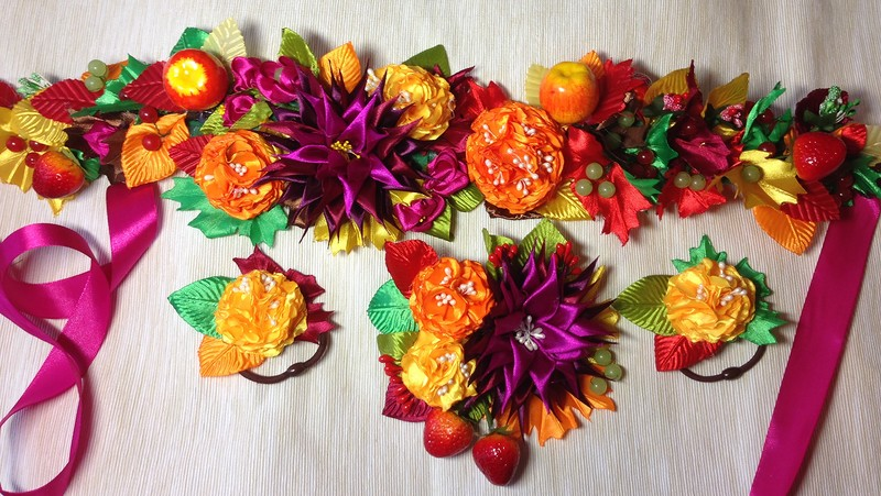 Цветы из сатина и атласных лент