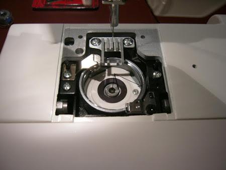 О швейном оборудовании:  челноки, иглы и прочее...
