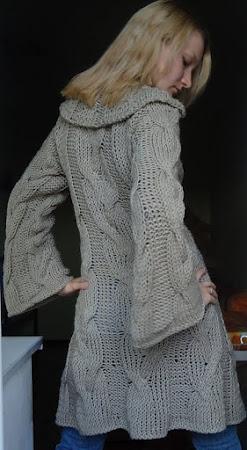 Китайское пальто с аранами спицами
