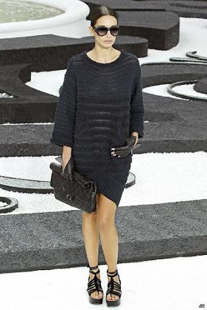 Красота в простоте - платье и костюм от Chanel