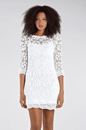 Белое платье мотивами.