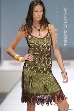 Гламурное черно-зеленое платье
