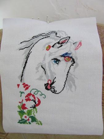Лошадь в маках - совместный отшив