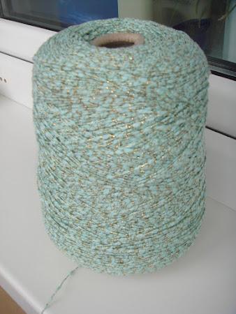 Золотые нити - стоковая пряжа из Италии в г.Тюмени.